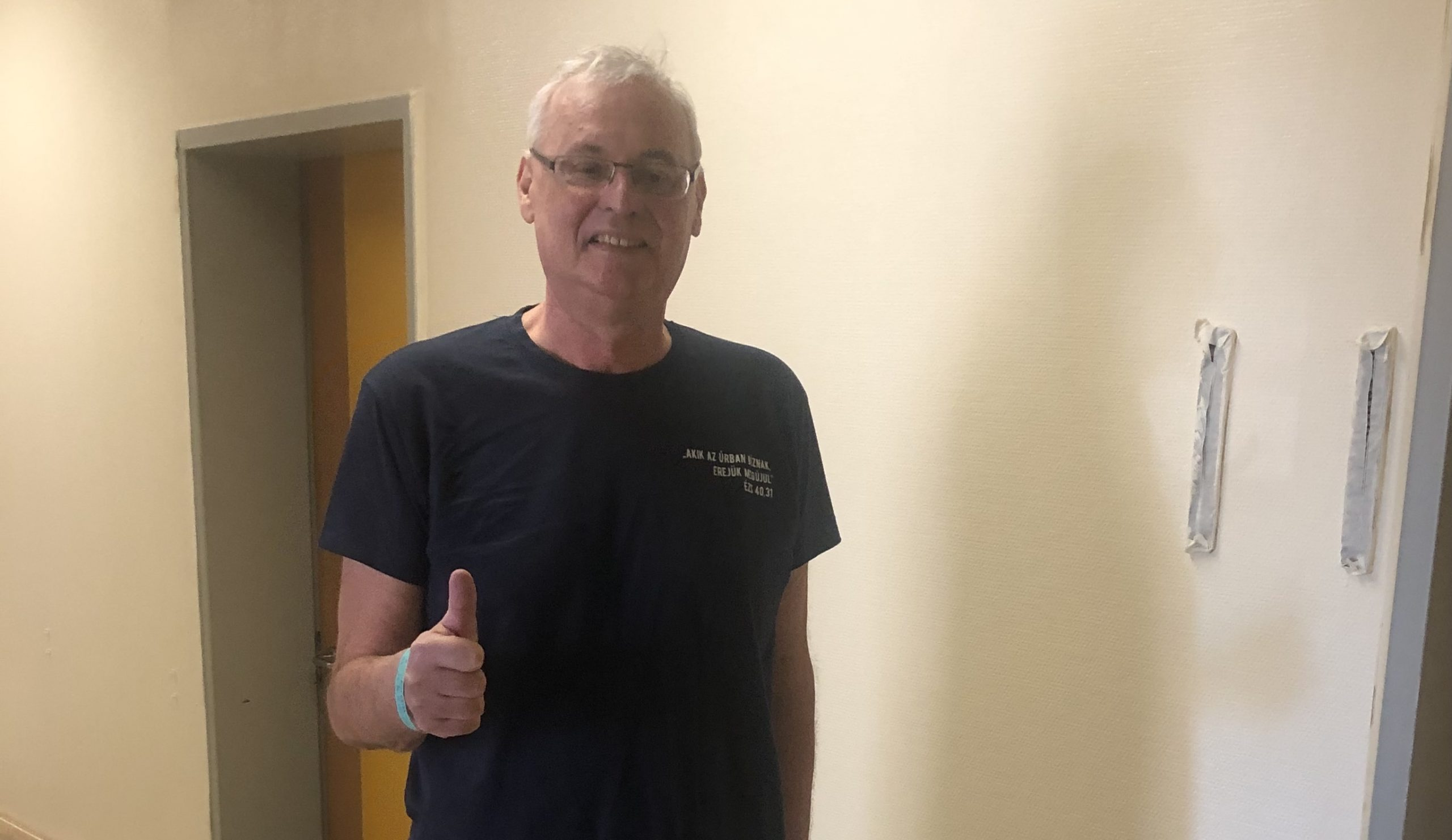 Aradszki András a rehabilitációja közben is dolgozik