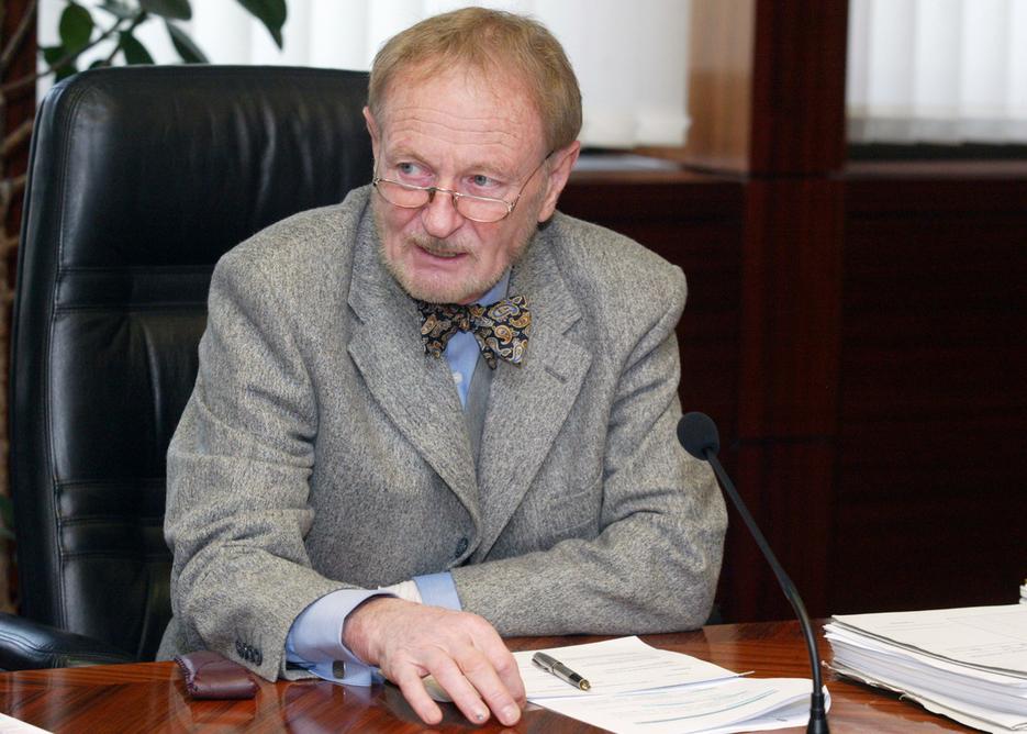 Elhunyt Erdei Árpád érdi alkotmánybíró