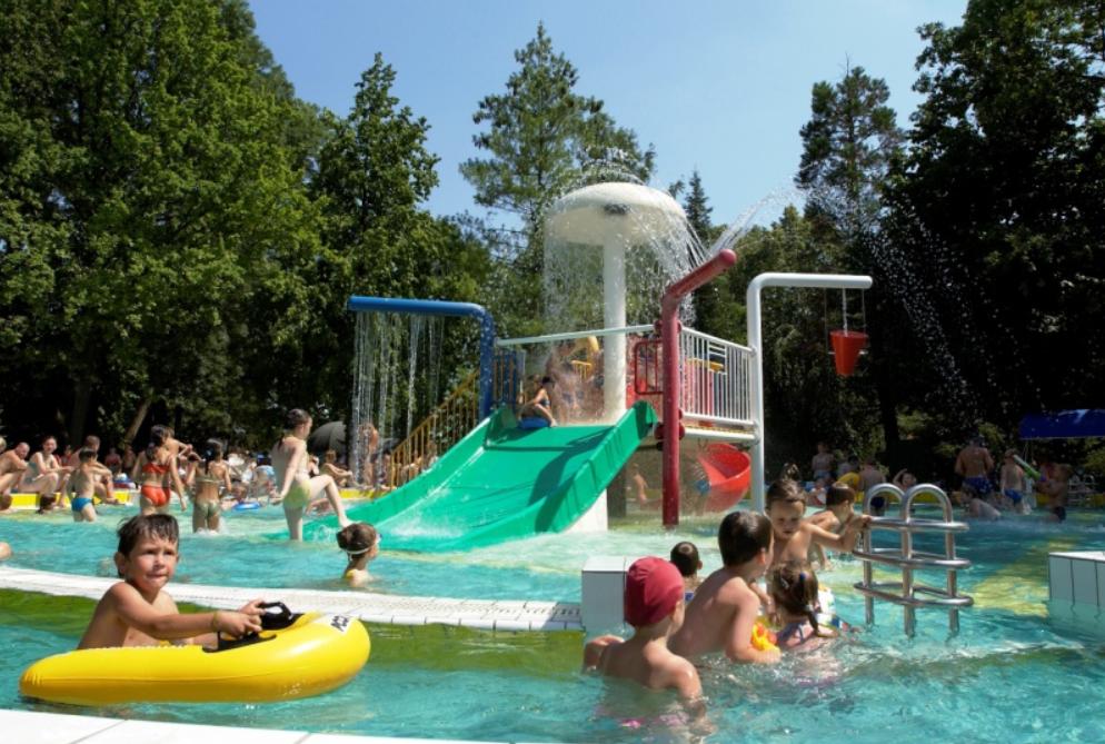 3500 egyszülős és nagycsaládos nyaralását biztosítja a Mészáros Csoport
